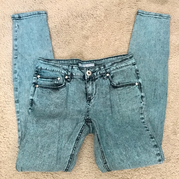 Vanilla Star Denim - 🔥2x$25🔥Vanilla Star teal acid washed jeans.